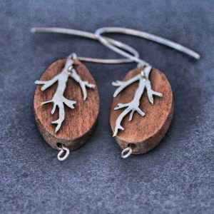 Oval wood and cut out branch earrings